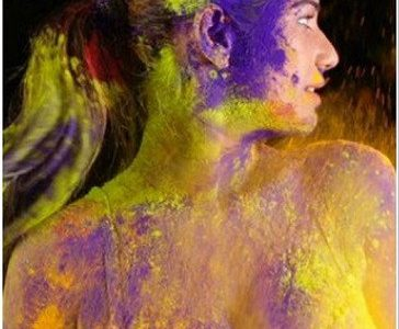 VIDEO: Poonam Pandey Happy Holi Video Goes Viral