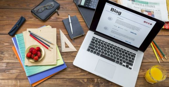 5 Ways to Make Money Blogging and Hustle on the Side