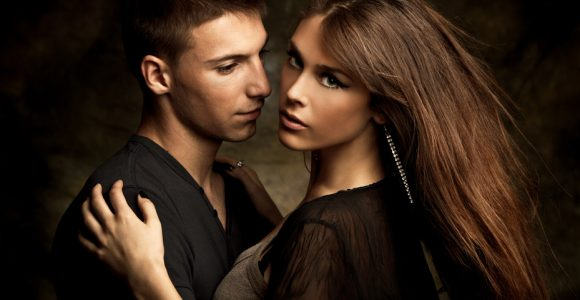 10+ How to Flirt with a Girl Perfect Ways