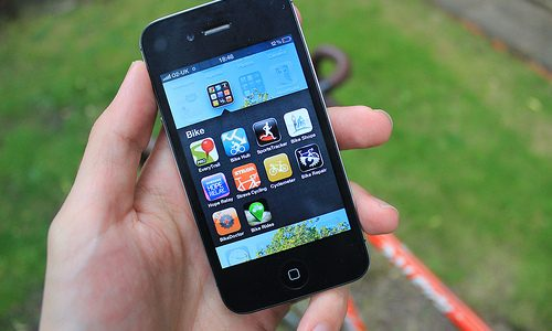 8 IPhone Apps For Moms