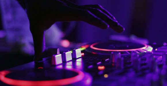 Can you take classes to learn how to DJ?