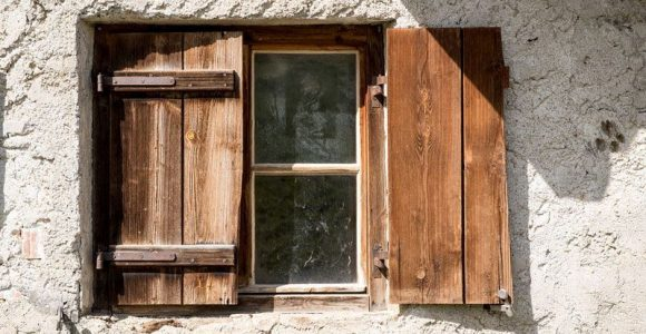 Why wooden windows leak and how to fix them?