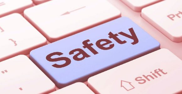 Online Safety Guidelines for Naive Users