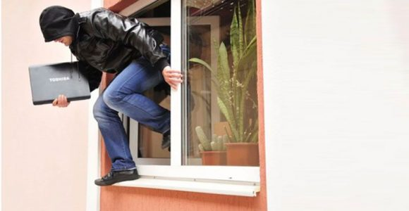 How to Keep your House or Office Safe During the Holiday?