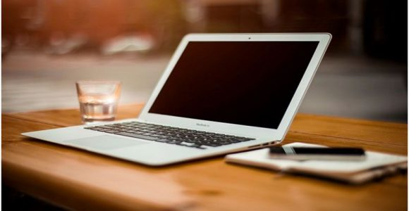 How to Choose the Right Laptop for Making Money Online?