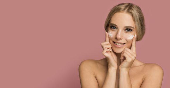 The beginners guide to Retinol Vs Retinoids In Skincare