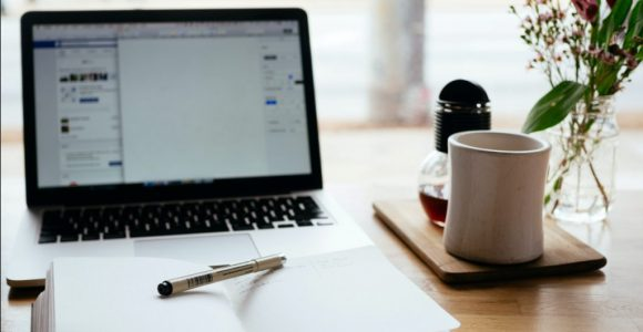 10 Top-Notch Proofreading Tools for Content Writers | Complete Connection