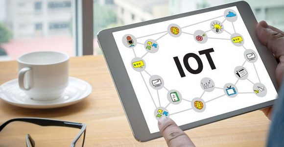 Internet of Things in Healthcare Industry: Benefits and Challenges