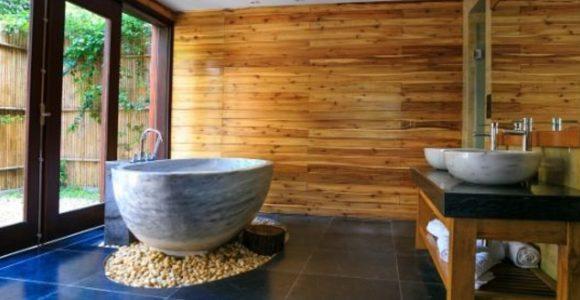 How to Clean Bathroom Tiles in 5 Easy Steps