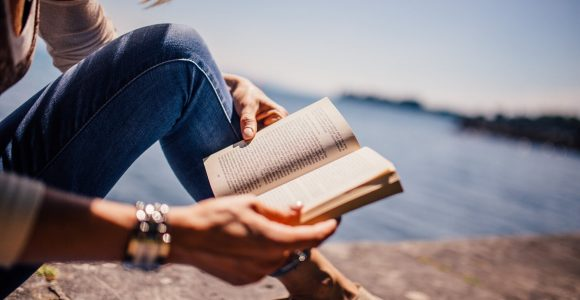 5 Personal Growth Books to Expand Your Mind as an Introvert