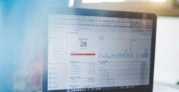 14 Essential Metrics Every Blogger Needs to Track