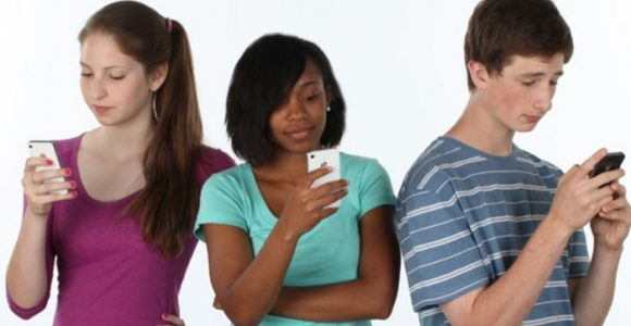 Social Media Influence On Today'S Youth – Jarvee