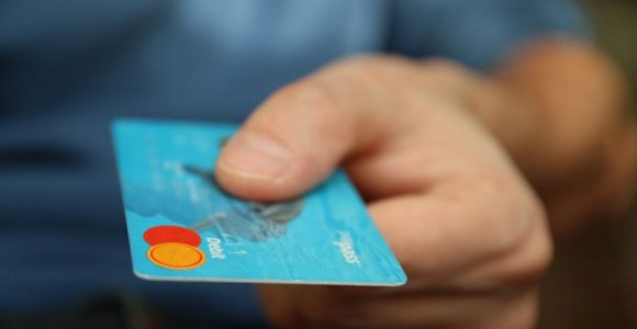 Credit Card vs. Debit Card: Why you should choose one over the other