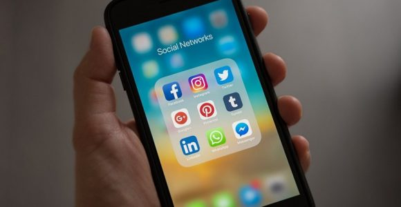 A Guide on Choosing the Best Social Platform for your Business Needs