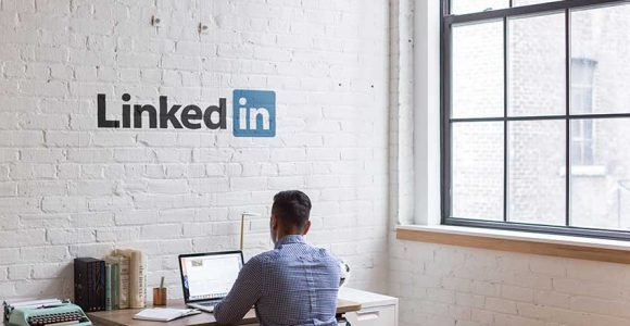 How to Use LinkedIn Stories for Your Business