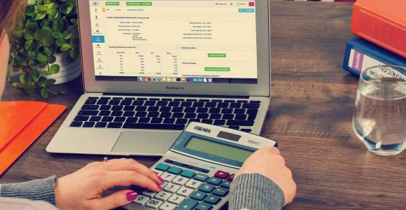 How to Manage Your Business Finances like a Shark