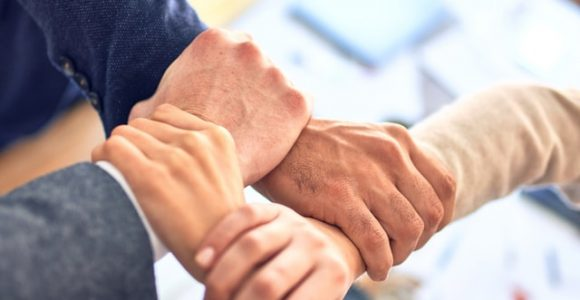 How Unified Communications Helps Manage Customer Relationships