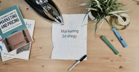 Content Marketing vs. Influencer Marketing: Which is For You